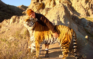 Eric Weld with Bengal Tiger, Kipling